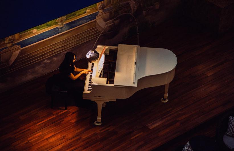 夜のピアノ